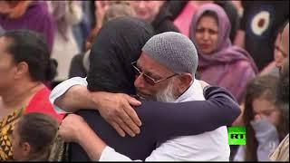 رئيسة وزراء نيوزيلندا تزور مسجدا في العاصمة فيلينغتون