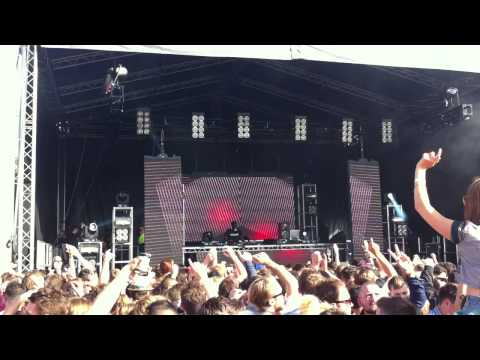 Todd Terry plays 'Junior Jack - Thrill Me' (FOUND Festival 15.06.13)