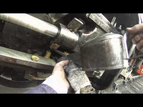 Oiling a Andrew Barclay 0-4-0ST steam loco (victory)