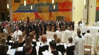 Euharistijsko slavlje u crkvi Svete Obitelji predvodi kardinal José Tolentino Calaça de Mendonça.