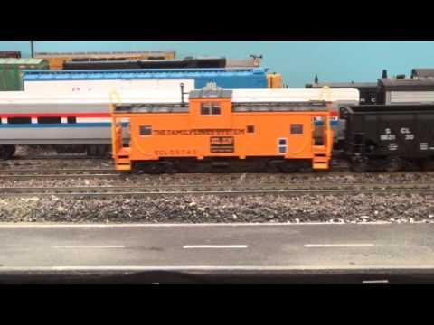 Seaboard Coast Line Railroad Freight Trains HO Scale