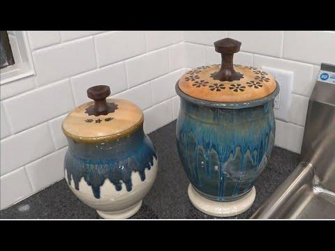 Making a wooden lid for a ceramic vase