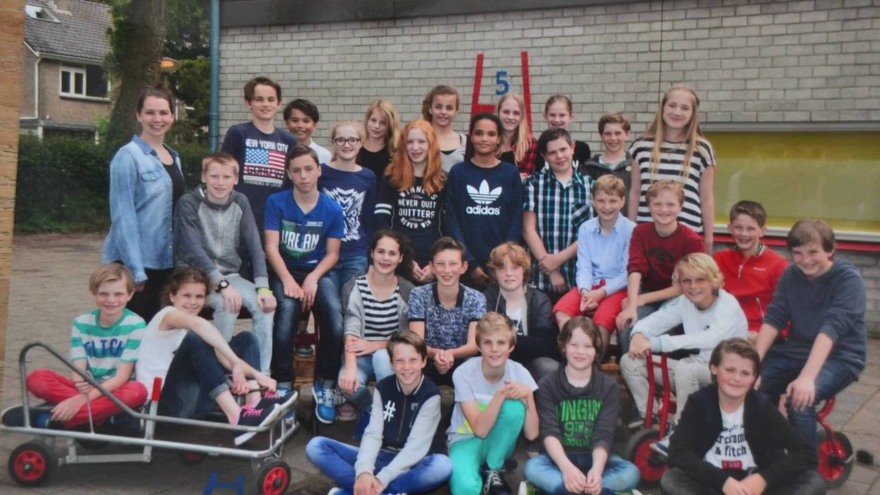Rap groep 8 musical - YouTube