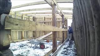 Как построить сарай// Немного онлайна// видеоотчет// Моё подворье(Зима наступает. Строительство сарая продолжаю несмотря на погоду. Смотрите, обсуждайте, пишите коментарии...., 2016-10-16T06:44:15.000Z)