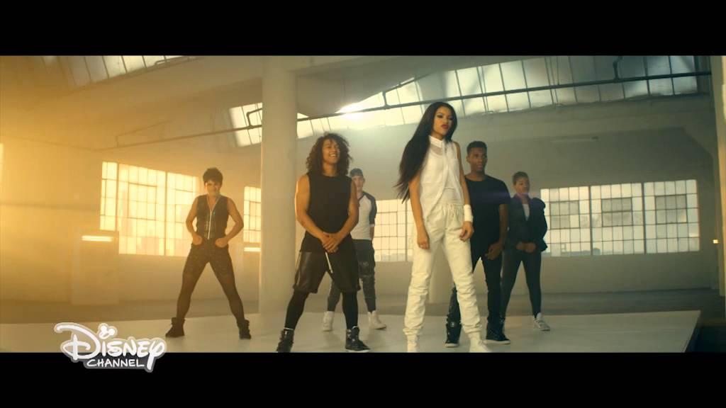 2019 year for girls- Replay Zendaya music video