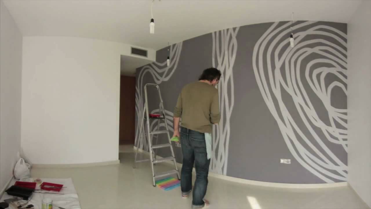 Una obra de arte en la pared del dormitorio en 2 minutos for Mural para pared dormitorio