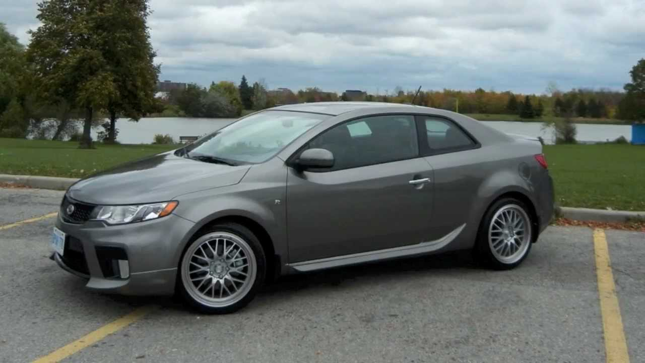 zoom in 2012 kia forte koup sx r package youtube. Black Bedroom Furniture Sets. Home Design Ideas