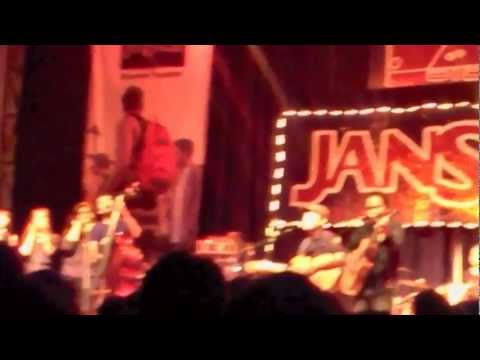 Payung Teduh - Di Ujung Malam feat. Ade Paloh (Live at The 3rd Music Gallery)