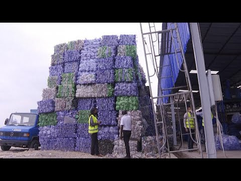 شاهد: إعادة تدوير النفايات البلاستيكية هو الحل -الأمثل- لتنظيف كينشاسا  - نشر قبل 5 دقيقة