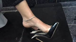 sexy Indian feet in slingback courts