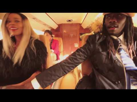 L'Extraordinaire Video de Love is in the air (album Lion D) by Carlou D