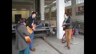 A little less conversation - Sidewalk Sounds cover - Streetmusic