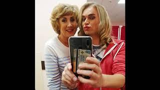 Гоген Солнцев выложил фото с новой пенсионеркой, запретив жене ревновать