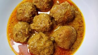 Chicken Kofta Curry / Meatballs curry Recipe by (HUMA IN THE KITCHEN)
