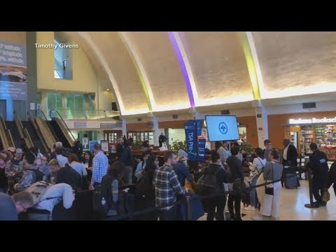 The Debrief: Shutdown impact on airports, Paul Whelan in court, Colorado avalanche death | ABC News