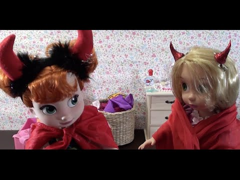 Frozen Elsa, Anna and Rapunzel play dress-up in Rapunzel's house and have fun, stories with dolls