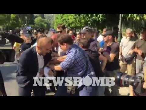 newsbomb.gr: Επεισόδια έξω από το Μαξίμου πριν τη συνάντηση Τσίπρα - ΠΟΕ ΟΤΑ για τα απορρίμματα