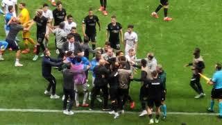 Fenerbahçe - Eintracht Frankfurt maçında futbolcular birbirlerine girdi!