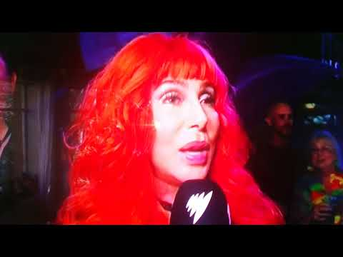 Cher at Sydney Mardi Gras 2018. Saying her piece about Trump.
