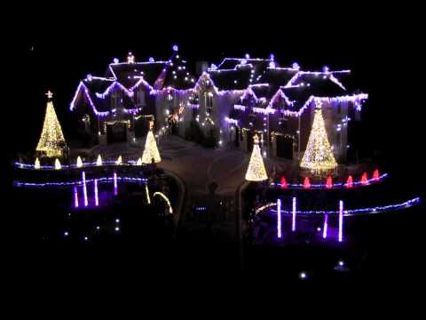 Dave Alexander - 11 Festive Holiday Light Shows You Can Watch Without Leaving the House