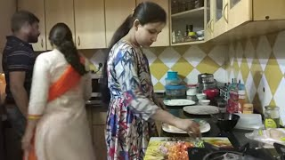 Cooking with friends - masti time with friends / Indian style pizza party at friend