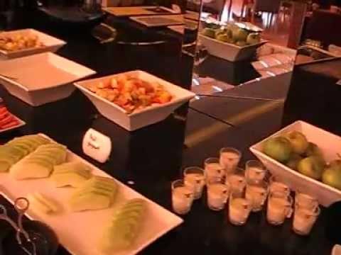 Mövenpick Jumeirah Hotel Dubai Frühstücksbuffet nähe The Palm Strandhotel Luxushotel 5 Sterne