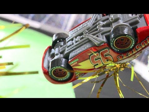 [ Stop motion ] Disney Pixar Cars 3 : McQueens Crash