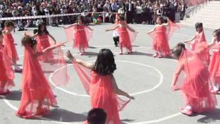 Repeat youtube video 23 Nisan 2012 1-D Sınıfı Bayram Gösterisi