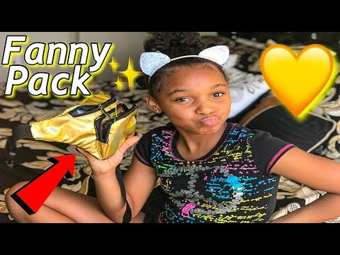 WHAT'S IN MY FANNY PACK!!!