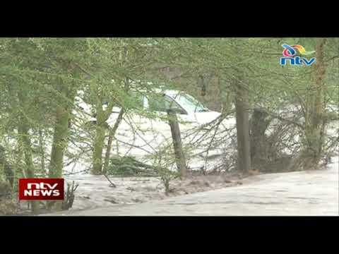 Hundreds of motorists stranded along Nairobi-Namanga road after floods rendered the road impassible
