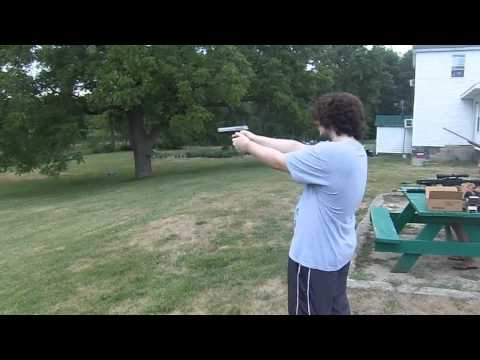 Shooting SR 40 Ruger .40 Handgun