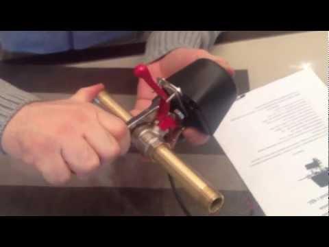 Установка поворотного устройства для шаровых кранов