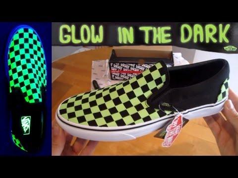 5e0f2bc98f92 Vans Slip ons GLOW IN THE DARK Unboxing slipons jeff spicoli shoes  checkerboard checks