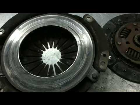 Nissan Almera (N15) - Замена сцепления.