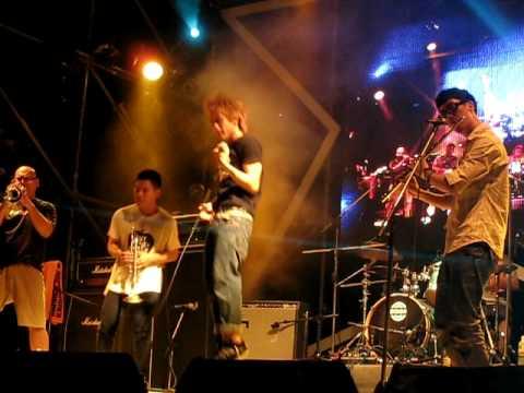 2010年大港開唱-害羞踢蘋果-PART7-99.9