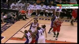 Derrick Rose Highlights vs. Suns (EPIC DUNK ON DRAGIC) (1.22.2010) thumbnail