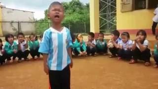Bé trai cover bài Hát về cây lúa hôm nay phiên bản anh Bo