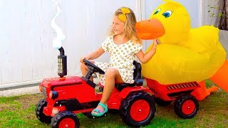 Milusik plays farm with toys