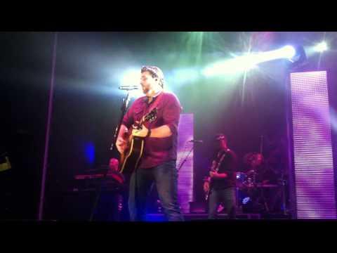 Chris Young. Lonely Eyes. Biloxi. 10/5/13.