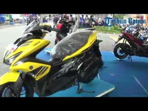 Keseruan event Blue Core Yamaha Motor Show di Top 100 Tembesi Batam