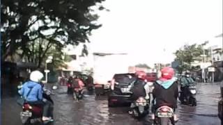 Download Koplak, jalan banjir pada Ngebut