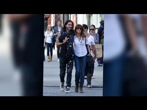 Russell Brand Cuddles Jemima Khan on a Stroll in New York City - Splash News | Splash News TV