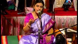 Download Jhini Jhini Vaje Been (Shridhar Phadke Sangeet Sandhya - Ritu Hirwa) MP3 song and Music Video