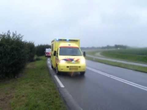 Auto te water op de Provincialeweg N506 Venhuizen