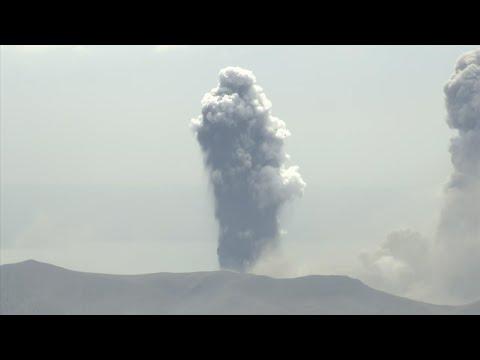 Philippine volcano erupts,