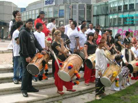 "DEA DHOL ENFORCEMENT AGENCY ""FOLK-IN-FLUTES"" (TRACK, OLD PICZ OF JAZZY B, & DEA GIG PICS) MUST SEE!!"