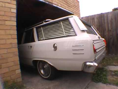 Cruisin in Spiks VE VIP Valiant Wagon -273 V8