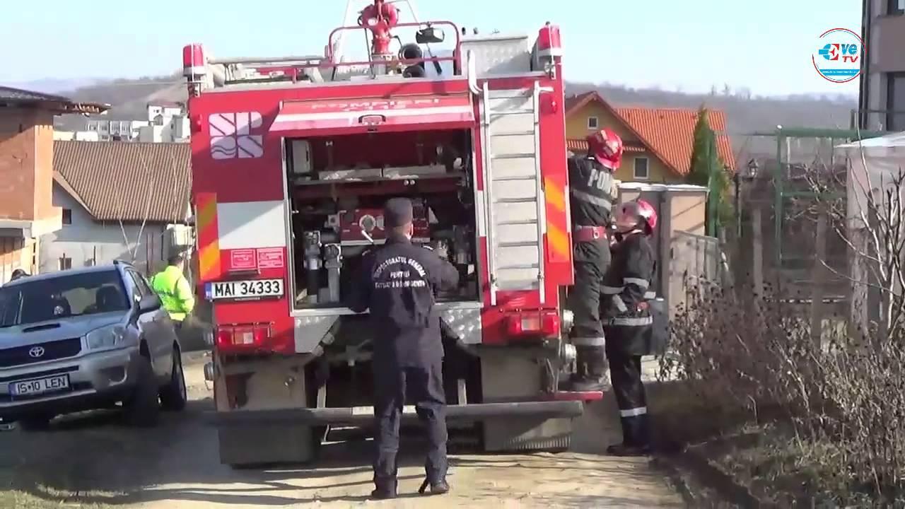 FOTO: Incendiu puternic la un depozit de mase plastice din ...  |Incendiu Iasi