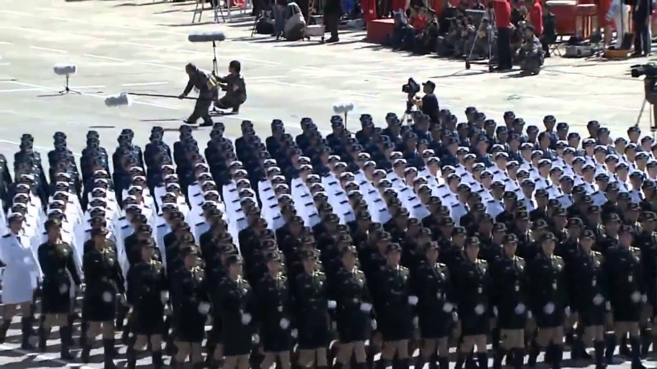 Chinese Barbie Soldiers All Same Size Marching Spot On (HD) - YouTube
