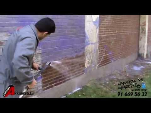 Limpiar pintadas en fachadas de ladrillo youtube for Frentes de casas pintadas
